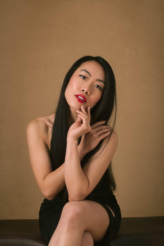 Quennie glamour portrait by Renata Clarke